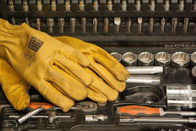 Kupujemy rękawice robocze