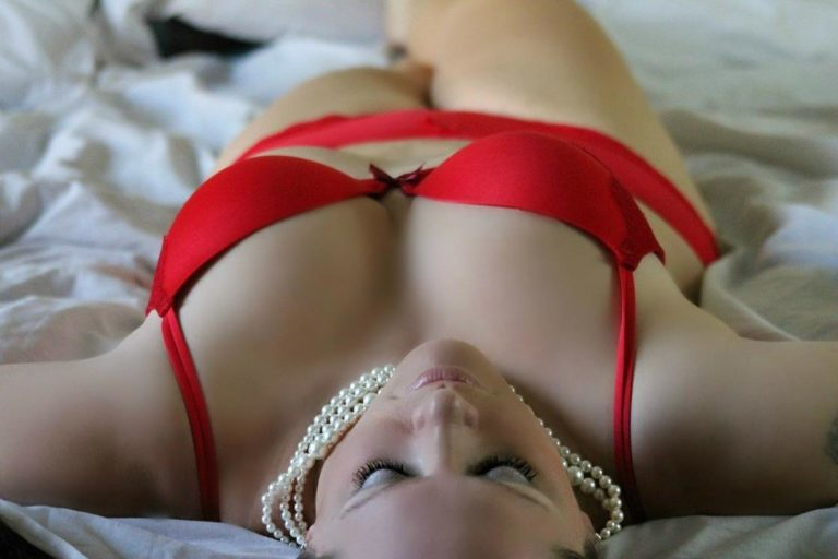 Elegancka bielizna erotyczna