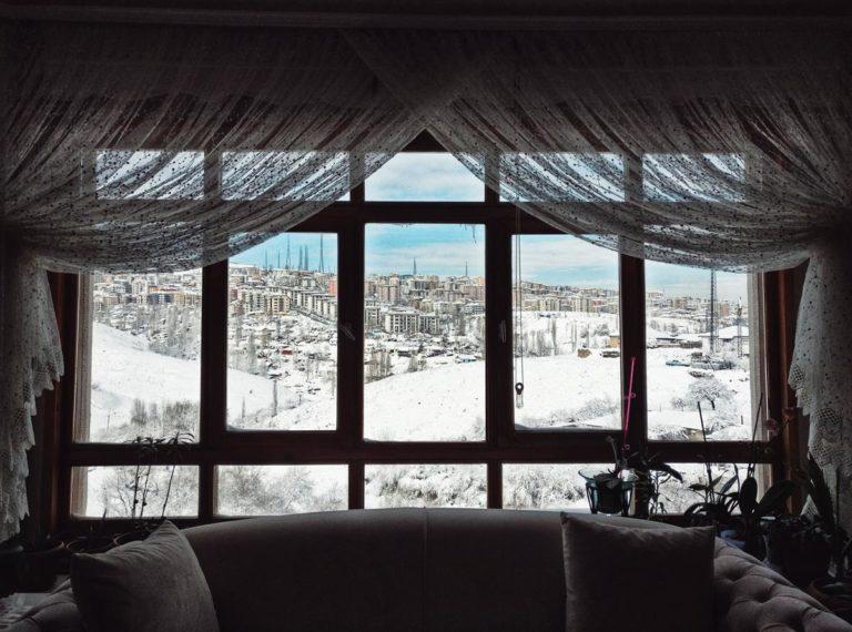 Rolety to świetna alternatywa dla firanek i zasłon w oknach