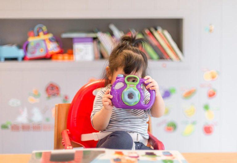 Uniwersalne prezenty dla małych dzieci i ich rodziców
