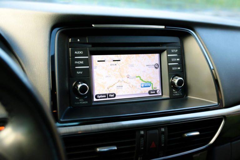Luksusowy samochód również można wynająć w wielu wypożyczalniach