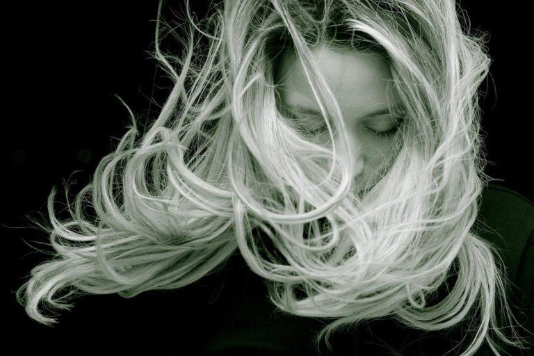 Bądź proaktywny w kwestii utraty włosów, wdrażając te wskazówki